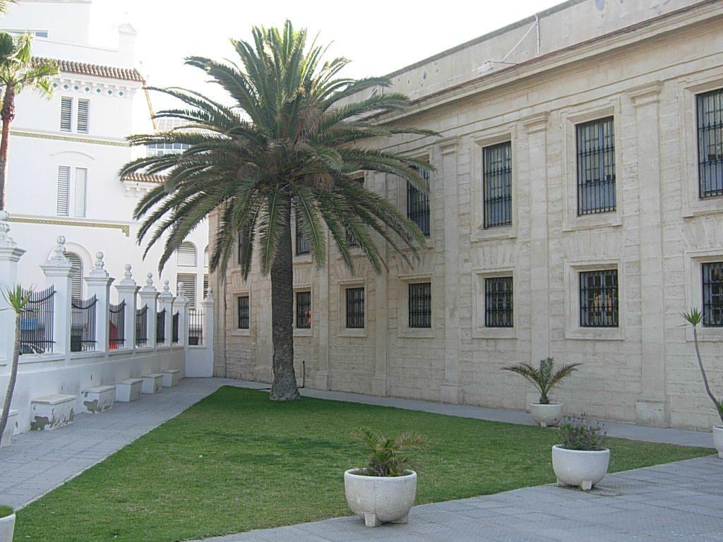 Horario de apertura y cierre de la Facultad de Ciencias del Trabajo (Cádiz) durante la Semana de Carnaval
